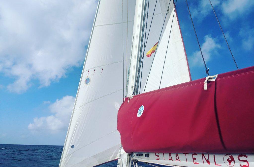 Le SY Staatenlos – notre catamaran en détail